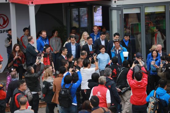 中国之队——东风队沃尔沃环球帆船赛维港夺冠-车神网